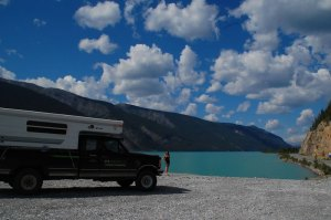 Arriving at Muncho Lake, a must picture.